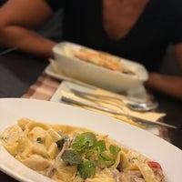 Foto scattata a Capri Pizzeria da Márk S. il 9/4/2018