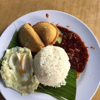 Photo taken at Nasi Lemak Maria by - -. on 5/2/2016