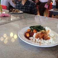 Photo taken at Restoran Sidah TTDI Jaya by asyraf w. on 6/16/2014