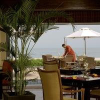 Photo taken at Mövenpick Hotel & Resort Al Bida'a by Yasmine E. on 9/25/2013