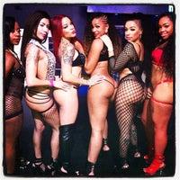 Foto diambil di Off Limits Night Club oleh John C. pada 12/19/2012