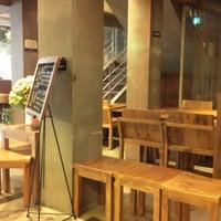 Photo taken at Caffé bene by BoYeoun K. on 10/8/2012