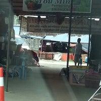 Photo taken at Bundusan Fruit & Vege Wholesale Market by Annie C. on 11/17/2013