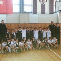 Photo taken at Üsküdar Beşiktaş Basketbol Okulu by Rasim Onur T. on 5/13/2014
