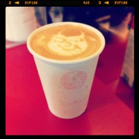 Photo prise au El Diablo Coffee par Alyxe W. le10/6/2012