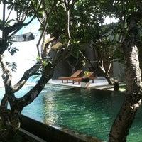 Photo taken at Di Astana Villa Bali by Francis Eduardo M. on 12/9/2012