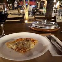 Foto tirada no(a) Companhia Paulista de Pizza por Nicole C. em 3/25/2018