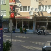 Photo taken at favori erkek kuaforu sinan demirbag by Soner O. on 9/17/2016