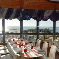 Foto diambil di Laguna Sky Restaurant oleh Laguna Sky Restaurant pada 9/24/2013