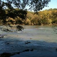 10/17/2012 tarihinde Kelly Q.ziyaretçi tarafından Chattahoochee Trail'de çekilen fotoğraf