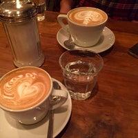 Das Foto wurde bei Café Jonas Reindl von Nilsu K. am 4/3/2015 aufgenommen