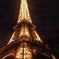Foto tirada no(a) Restaurant 58 Tour Eiffel por Caro G. em 12/24/2012