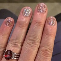 Foto tirada no(a) POLISHED NAIL SALON por Emily D. em 12/30/2014