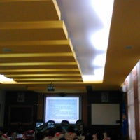 Photo taken at SMA Negeri 1 Kasihan by Yulio B. on 10/25/2013