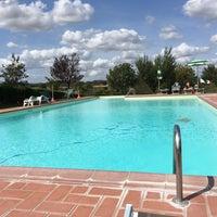 Photo taken at Borgo il Villino by Tessa 🐝 on 9/13/2017