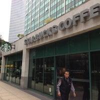 Foto tomada en Starbucks por Tricia B. el 6/15/2013
