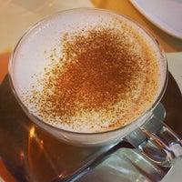 11/22/2013 tarihinde Mustafa I.ziyaretçi tarafından Fes Cafe'de çekilen fotoğraf