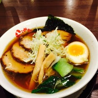 Photo taken at らうめん 蔵 by か り. on 12/20/2014