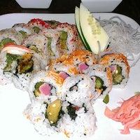 Foto tirada no(a) Sushi O Bistro por Tamara N. em 6/25/2013