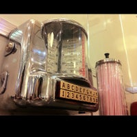 Photo taken at Johnny Rockets by Val C. on 2/23/2013