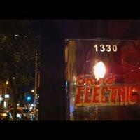 9/19/2012 tarihinde Val C.ziyaretçi tarafından Grand Electric'de çekilen fotoğraf