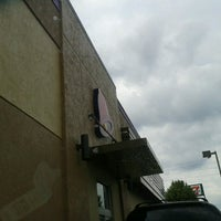 Photo taken at Taco Bell by david v. on 7/15/2013