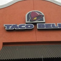 Photo taken at Taco Bell by david v. on 5/7/2013
