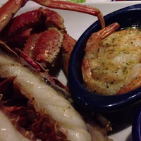 Photo taken at Red Lobster by Harlan C. on 8/4/2013