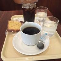 Photo taken at ドトールコーヒーショップ 読売ランド駅前店 by H I. on 9/27/2015