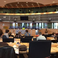 Foto diambil di European Parliament Meeting Room JAN 2Q2 oleh Asher S. pada 4/9/2014