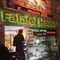 5/28/2013 tarihinde Marwa A.ziyaretçi tarafından Falafel House'de çekilen fotoğraf
