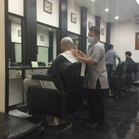 Photo taken at GQ Barber Shop @SM Molino by ケヴィン・エドワード・ デ. on 10/7/2015