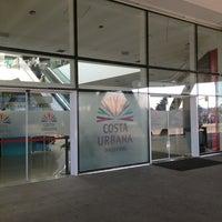 รูปภาพถ่ายที่ Costa Urbana Shopping โดย Ana S. เมื่อ 8/4/2013