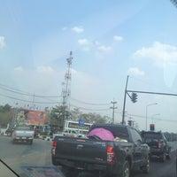Photo taken at ที่ว่าการอำเภอหนองหาน by ChanYa on 2/18/2013