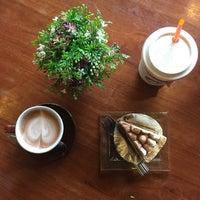 Photo taken at Wawee Coffee by N O o n 🍭 on 10/29/2016