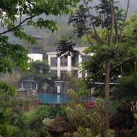 Photo taken at Jambu luwuk batu resort & convetion hall by Kurnia Dewi on 7/2/2014