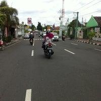 Photo taken at Sayidan, Yogyakarta by Muh H. on 1/25/2013