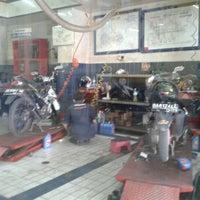 Photo taken at SUZUKI - PT. Aneka Kalimantan Motor by Aria M. on 2/6/2013