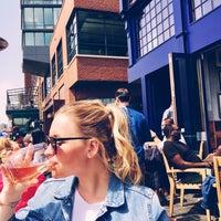 Das Foto wurde bei Kirwan's on the Wharf von Amy C. am 4/23/2018 aufgenommen