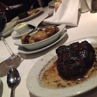 Photo taken at Ruth's Chris Steak House by Zuleyma H. on 5/27/2014