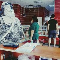 Photo taken at Ege Koyuncu Et Parakende Satış Merkezi by Gülnur on 9/25/2015