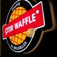 Photo taken at Çıtır Waffle - Edem by ÇITIR WAFFLE - EDEM DONDURMA on 10/12/2013