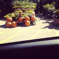 Photo taken at Lowe's Home Improvement by Zignat A. on 9/22/2013