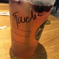 Das Foto wurde bei Starbucks von ☆Tuğçe B. am 7/8/2017 aufgenommen