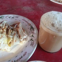 Photo taken at Warung Roti Canai by Mohd Faisal J. on 9/1/2013