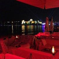 7/25/2013 tarihinde Sinem S.ziyaretçi tarafından Cafe del Mar'de çekilen fotoğraf