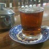 Photo taken at Şehr'i Erzurum Çay Salonu by Kim ?. on 4/2/2016
