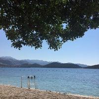Das Foto wurde bei Olympos Mocamp Beach Club von Nazlı G. am 9/15/2018 aufgenommen
