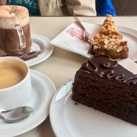 Das Foto wurde bei Café Lebensart von Simónir G. am 4/16/2018 aufgenommen