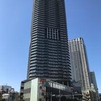 Photo taken at 勝どき駅前交差点 by mimizun💮 on 2/18/2018
